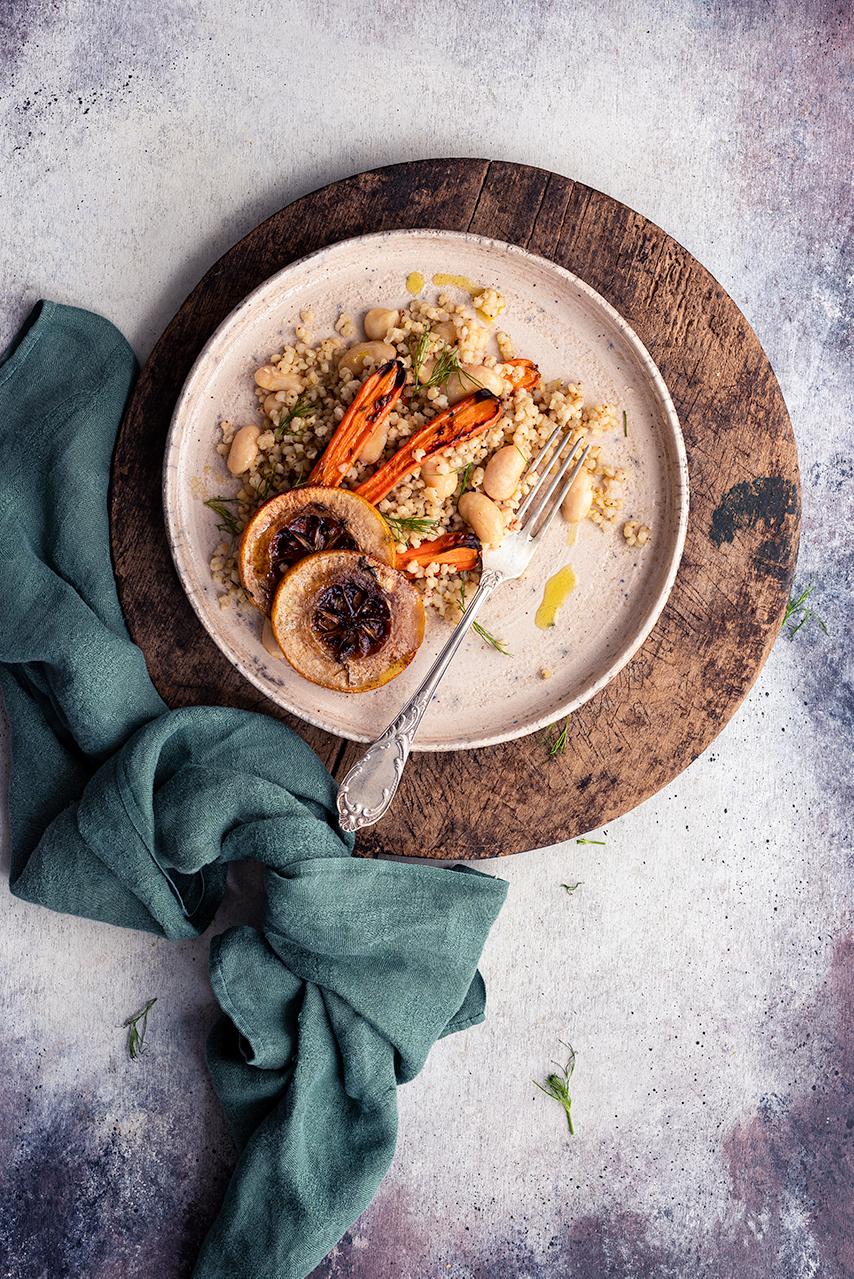 """descrizione del metodo di cottura """"confit"""" e ricetta di un'insalata invernale"""