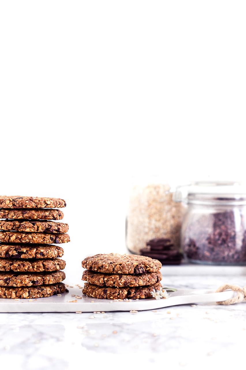 Biscotti con fiocchi d'avena e cioccolato