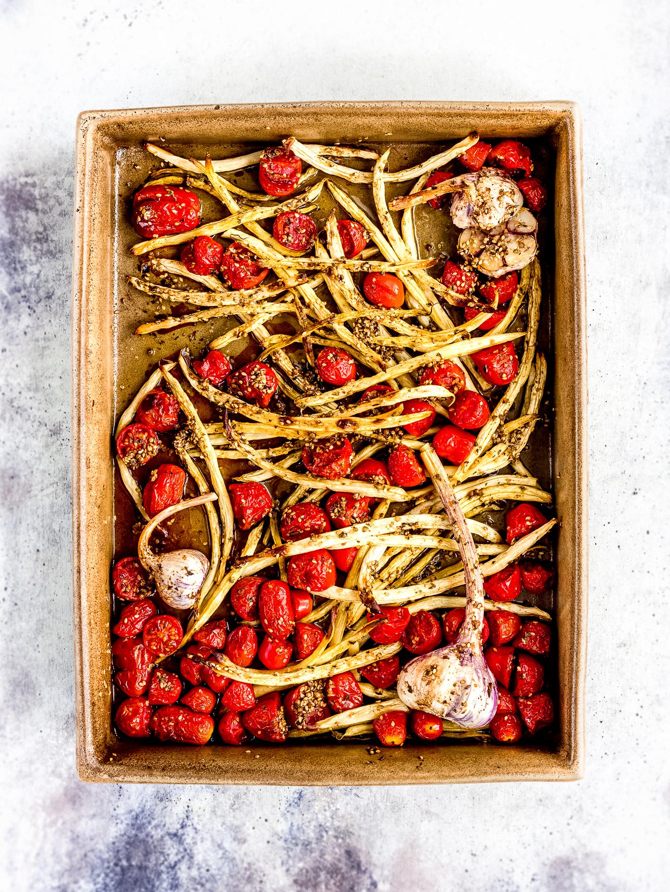 arrosto di fagiolini, pomodorini e aglio fresco